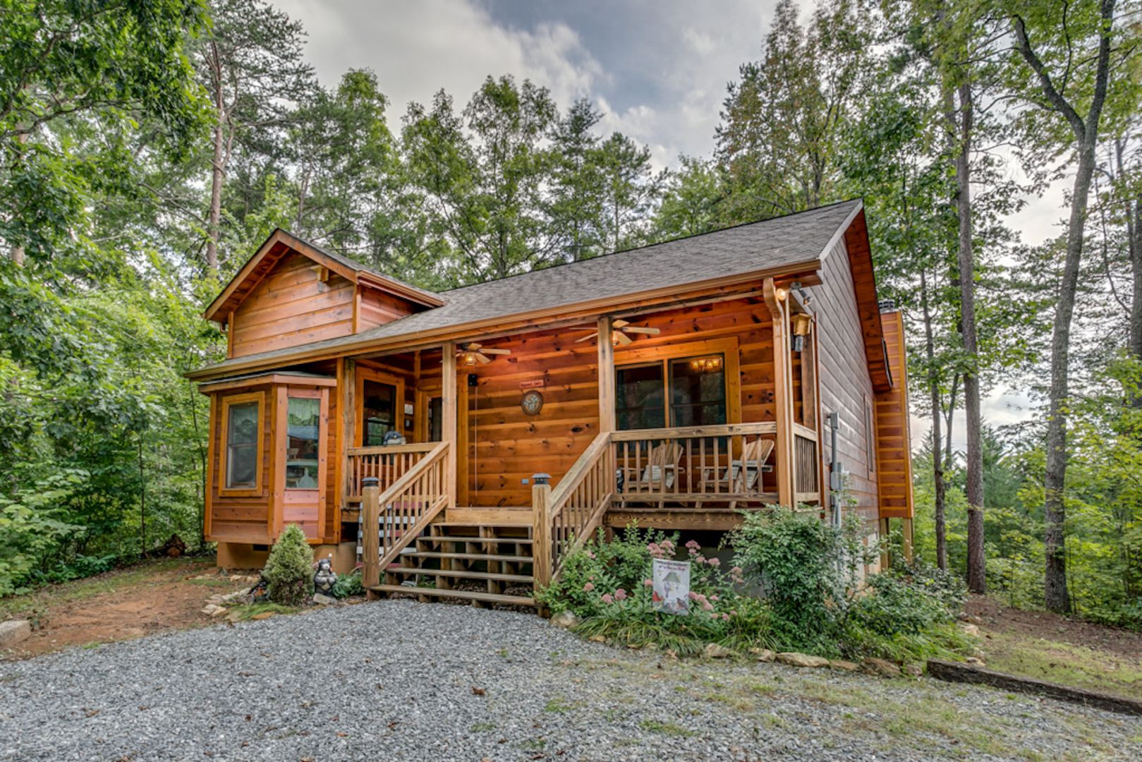 blue hot mountain paint ha creek cabins authentic property ridge on viking lodge cabin mountains log rentals