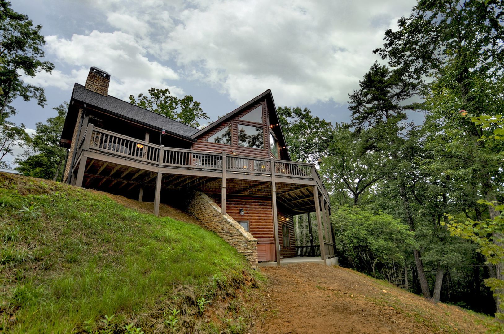 Treasure in the Trees- Flat Nightly Cabin Rate for 10 Guests! Cabin Rental